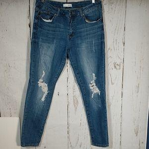 KanCan Distressed Skinny Jeans 13/30